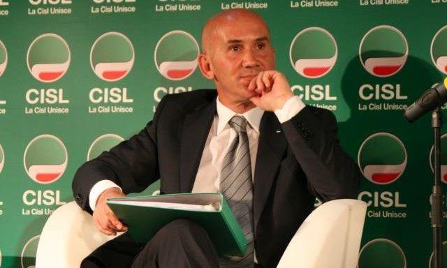 Ennesimo infortunio sul lavoro a Salerno, Ceres: «Gravi limiti nei piani di sicurezza, senza controlli l'escalation continuerà»
