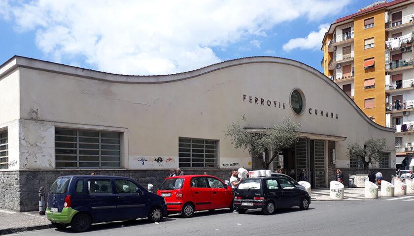 """Napoli, De Luca """"anticipa"""" de Magistris sull'intitolazione della fermata della Cumana a Fuorigrotta"""