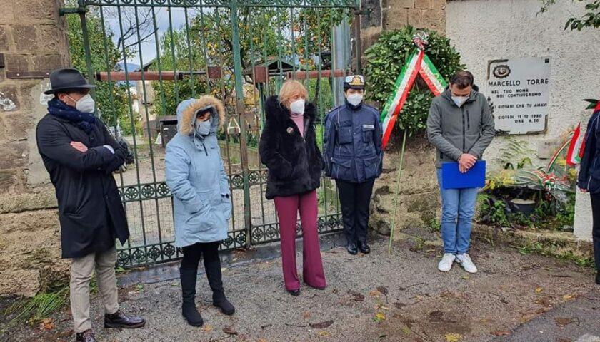 Commemorazione Marcello Torre, la Paganese omaggia la famiglia con una targa