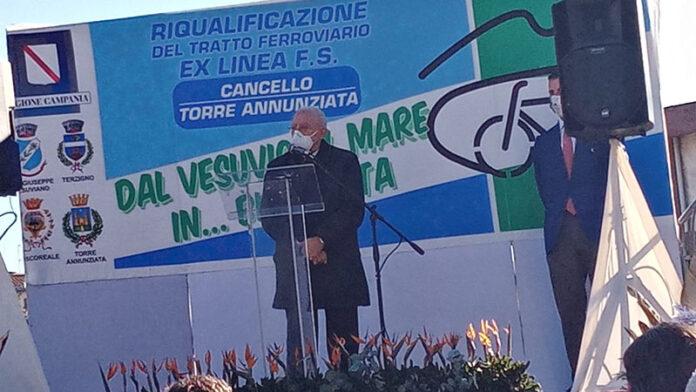 """De Luca a San Giuseppe Vesuviano per la pista ciclabile: """"Grande opera ma ora chiedo sacrifici contro il covid"""""""