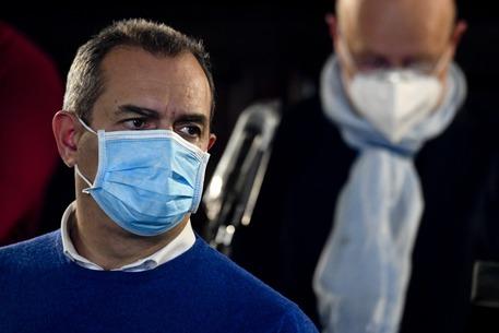 Napoli, de Magistris si salva per un voto: ok al bilancio di previsione dopo 18 ore di consiglio comunale