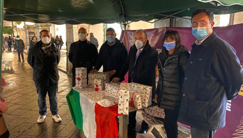 """Successo a Cava de' Tirreni della campagna """"compra italiano, compra locale. Un Natale tricolore è un Natale solidale"""""""