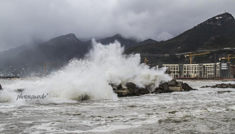 Mareggiata e vento forte, danneggiata la spiaggia di Mercatello