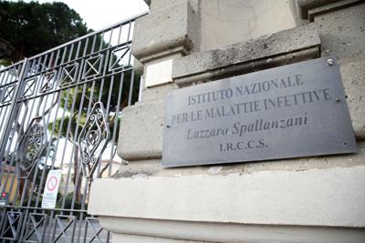 """Variazione covid dal Regno Unito, lo Spallanzani: """"Nessuna anomalia in Italia"""""""