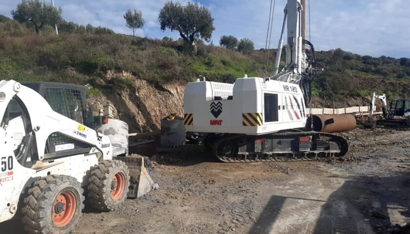 Continuano i lavori in località Gabella sulla strada 447 Tra Pisciotta e Palinuro