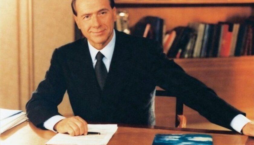 Il 26 gennaio 1996 Silvio Berlusconi annuncia la discesa in campo
