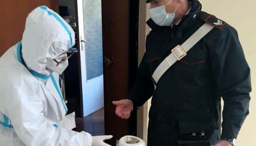 Salerno, carabinieri consegnano bombola d'ossigeno a malato grave di covid