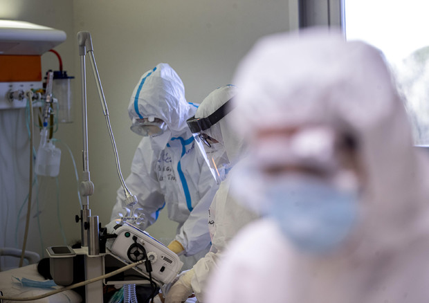 """Il comitato tecnico scientifico: """"In Italia epidemia difficile da gestire"""""""