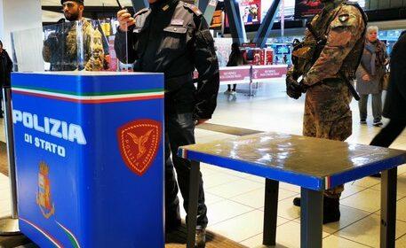 La Polfer Campania nel 2020 ha arrestato nelle stazioni 94 persone, 1069 i verbali inflitti e 259mila gli identificati