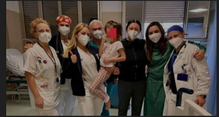 Colpita da covid, salvata da infiammazione pericolosa al Santobono: bimba di 5 anni torna a casa