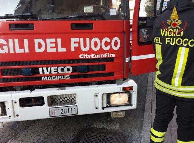 Casa a fuoco a San Marzano sul Sarno, raccolta fondi per la famiglia