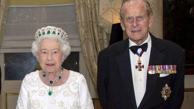 Regno Unito, vaccinati la regina Elisabetta e il marito Filippo di Edimburgo