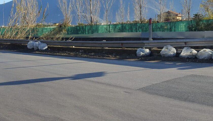 Cominciati i lavori di pulizia delle strade periferiche di Pagani