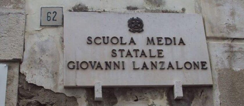 Positivo genitore di un alunno iscritto alla Lanzalone di Salerno, famiglia in quarantena
