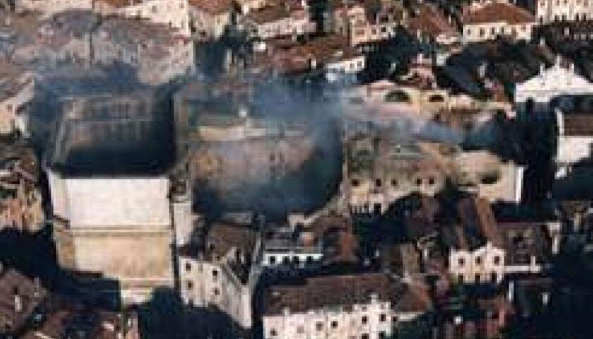 Il 29 gennaio 1996 il terribile incendio al Teatro La Fenice di Venezia
