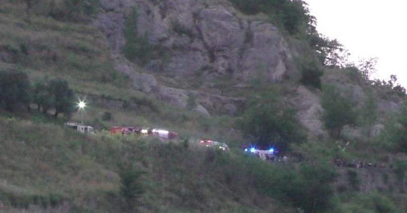 Auto nel dirupo a Siano, madre morta: figlio indagato per omicidio colposo