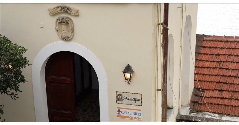 """Punto vaccinale a Positano, il sindaco: """"Importante anche per i comuni vicini"""""""
