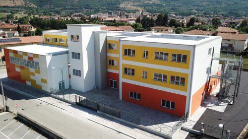 Bidella positiva alla Media di Polla, il sindaco chiude tutte le scuole