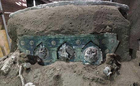 Nozze ed eros, ritrovato a Pompei un carro mai visto