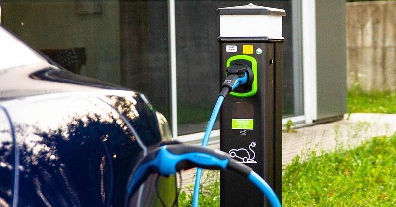 A Montecorvino Rovella via libera alle colonnine per veicoli elettrici