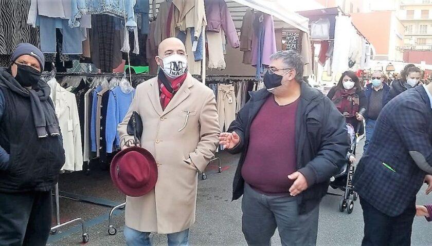 Angelo Di Gennaro inaugura il mercato a Nocera Inferiore