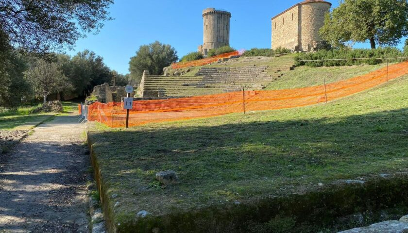 Lavori al teatro antico di Velia, cantiere aperto al pubblico tutti i venerdì:  prima visita a cura del direttore Zuchtriegel il 12 febbraio