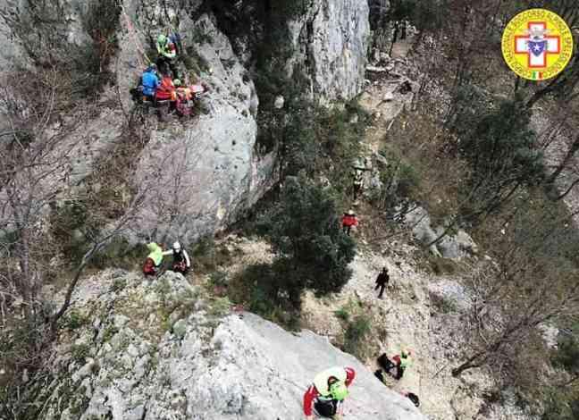 Malore tra i monti, il Cnsas salva un anziano a Postiglione