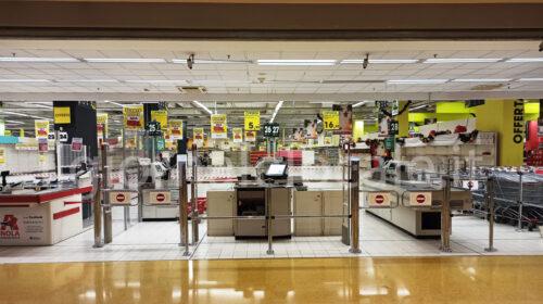 Salvi i 90 lavoratori ex Auchan di Nola, ipermercato rilevato dal gruppo Gdm