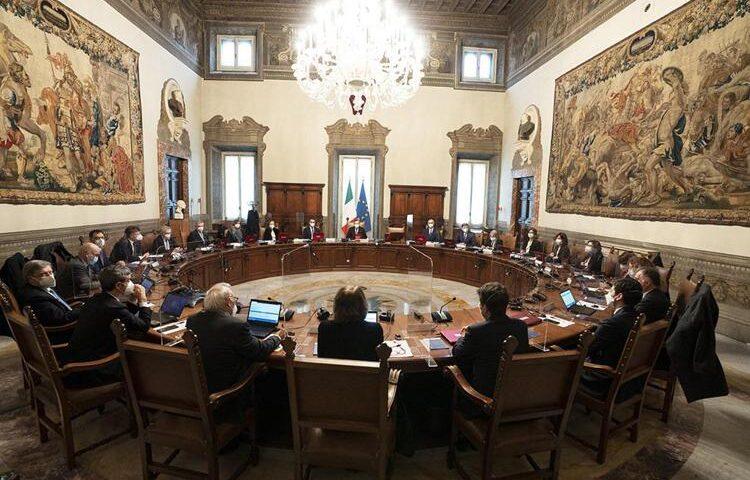 """Draghi, giuramento governo e Cdm: """"Uniti per Italia"""""""