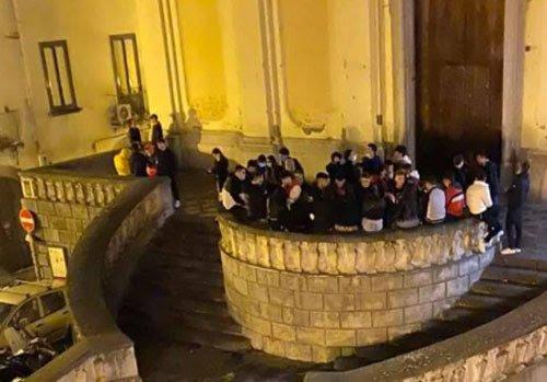 Salerno, pic nic a Santa Sofia: comitiva di giovani multata