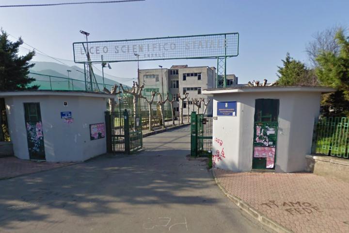 Covid a Nocera Inferiore: sospesa didattica in presenza in 2 licei cittadini fino al 27 febbraio