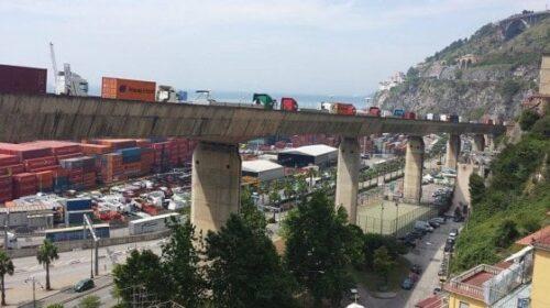Giù dal ponte di via Alfonso Gatto a Salerno, muore 33enne