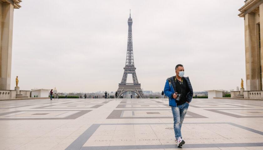 Covid in Francia, Parigi ordina lockdown per un mese con scuole aperte