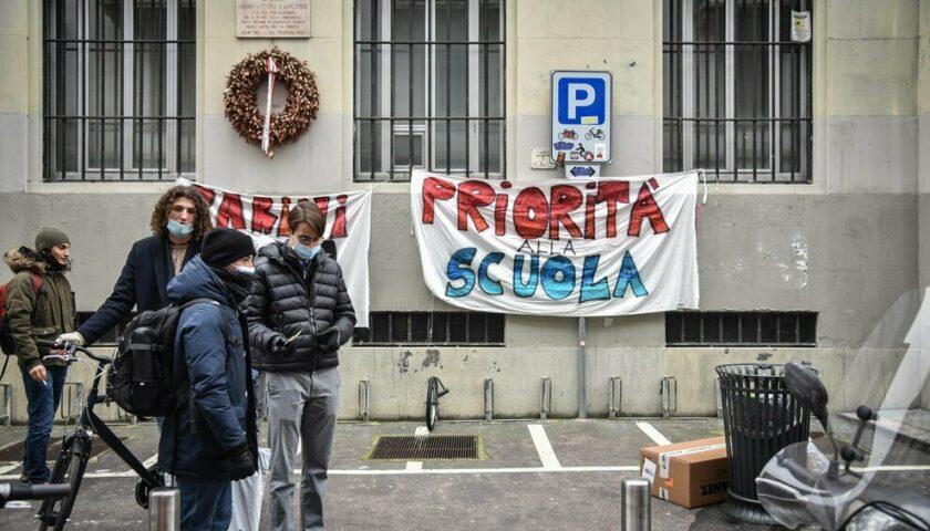"""Salerno, i No Dad: """"Sono in Campania negato il diritto allo studio"""""""