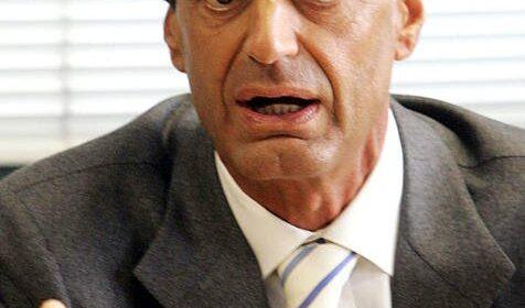 Covid, muore il procuratore Antimafia di Napoli Luigi Frunzio