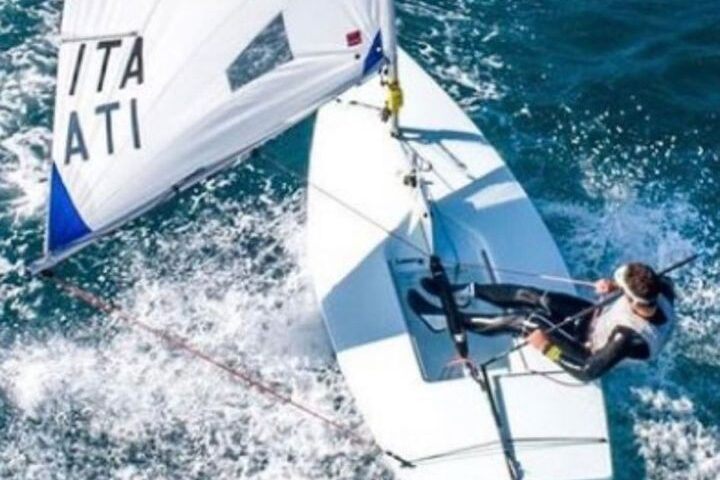 Alessandro Mare porta la vela salernitana di nuovo sul podio All'Italia Cup terzo posto nella classe Laser Under 19