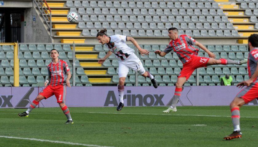 Djuric gol, la Salernitana vince a Cremona