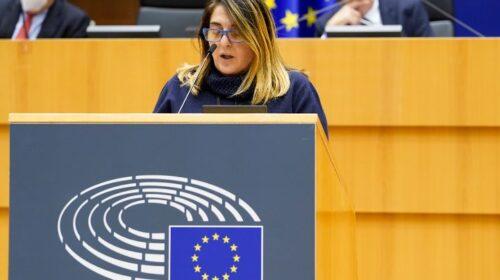 """Appalti truccati a Salerno, l'europarlamentare Lucia Vuolo: """"Una città che De Luca e compagni definiscono europea non dovrebbe subire tali umiliazioni""""."""