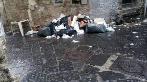 """PULIZIA DELLE STRADE IN CITTA', CORAGGIO SALERNO: """"TASSE ALTE MA SERVIZIO SEMPRE PIU' IN BASSO"""""""