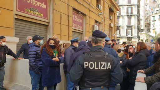 """Lavoro, sit-in Lsu fuori Regione Campania, i sindacati: """"precari da 25 anni  In 531 chiedono stabilizzazione entro il mese di marzo"""""""