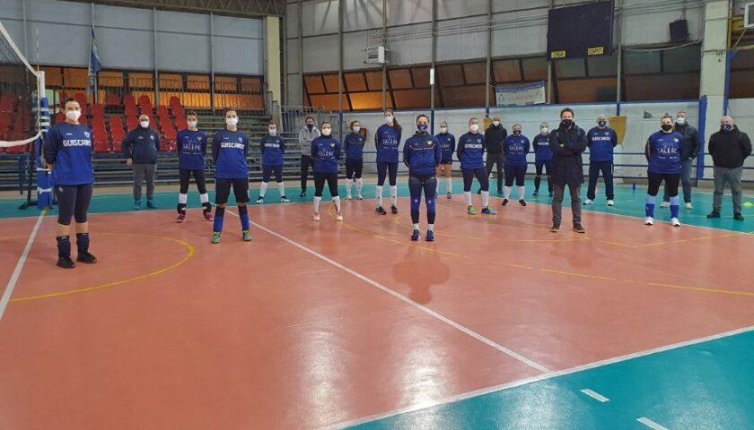 Polisportiva Salerno Guiscards, domani l'esordio in campionato in casa del Ft Napoli Pianura Volley