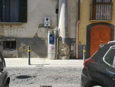 A Sarno installato parchimetro vicino ad un'abitazione privata. Rega (Sarno Civica): interrogazione consiliare per far luce sulla vicenda.