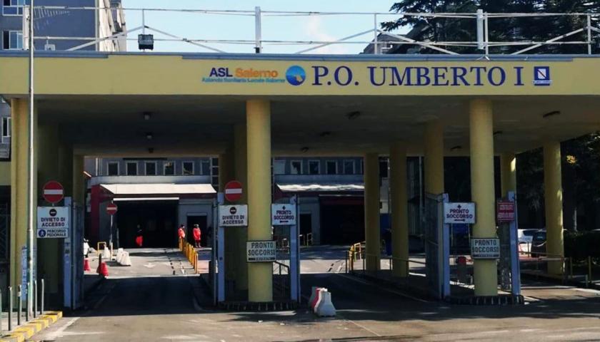 Bimbo di 5 anni con patologie resta in ambulanza a Nocera per 5 ore
