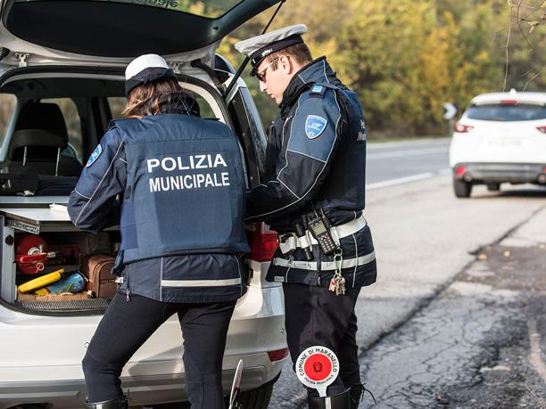 Smascherato a Cava de' Tirreni il furbetto delle targhe contraffatte