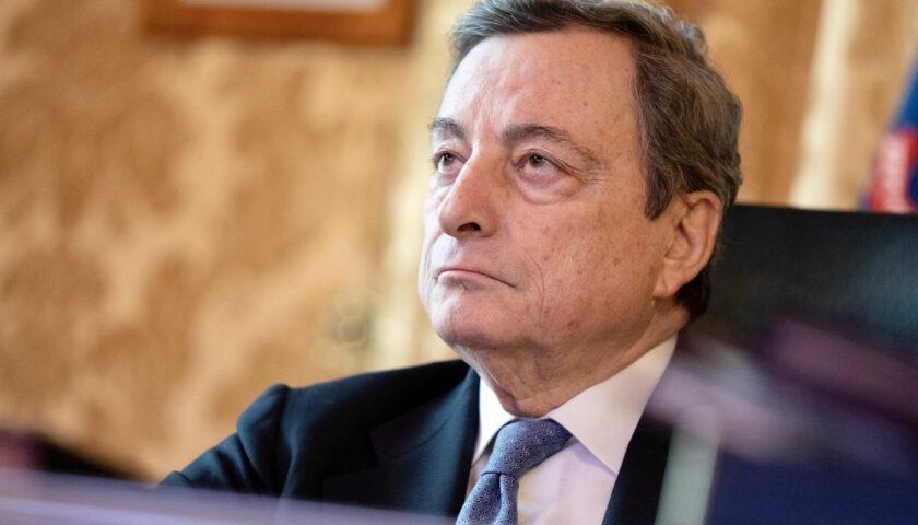 Draghi intravede la luce in fondo al tunnel con l'immunità di gregge per settembre
