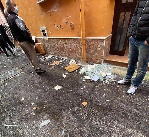 Siano, il sindaco Marchese vicino alla coppia ferita dallo scoppio della bombola di gas