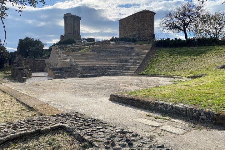 CONCLUSO L'INTERVENTO DI MANUTENZIONE SUL TEATRO GRECO-ROMANO DI VELIA: ORA È ACCESSIBILE AL PUBBLICO