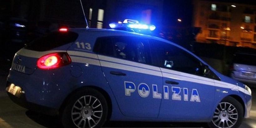 Salerno, ladri in azione in pieno centro: ripuliti bar e pizzeria