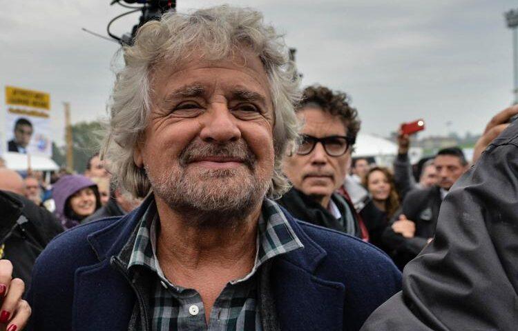 La provocazione di Beppe Grillo: candidato alla segreteria del Pd