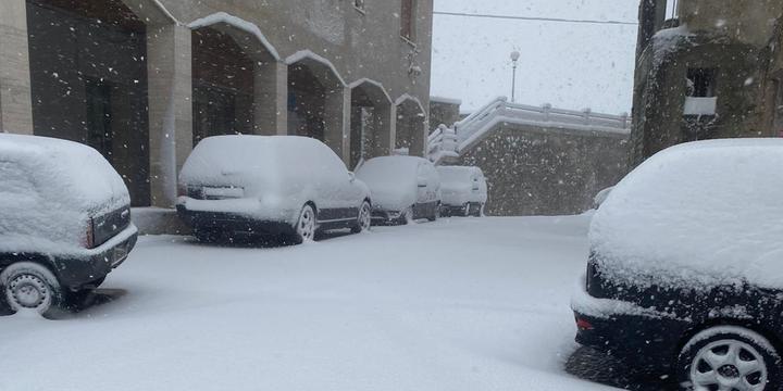 Vallo di Diano, vigilia di inizio primavera con la neve